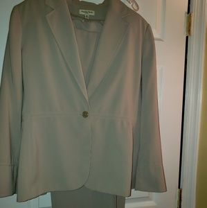 Amanda Smith 3 piece suit
